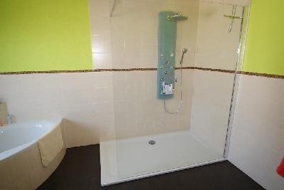 Meisterbetrieb Bad + Heizung Badezimmer Begehbare Dusche